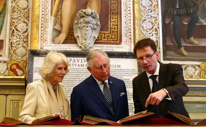Charles and Camilla toured the Vatican's secret archive(REUTERS)