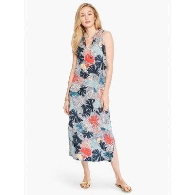 <p>You'll feel chic, comfortable, and confident in this <span>Nic + Zoe Fan Dot Dress</span> ($158).</p>