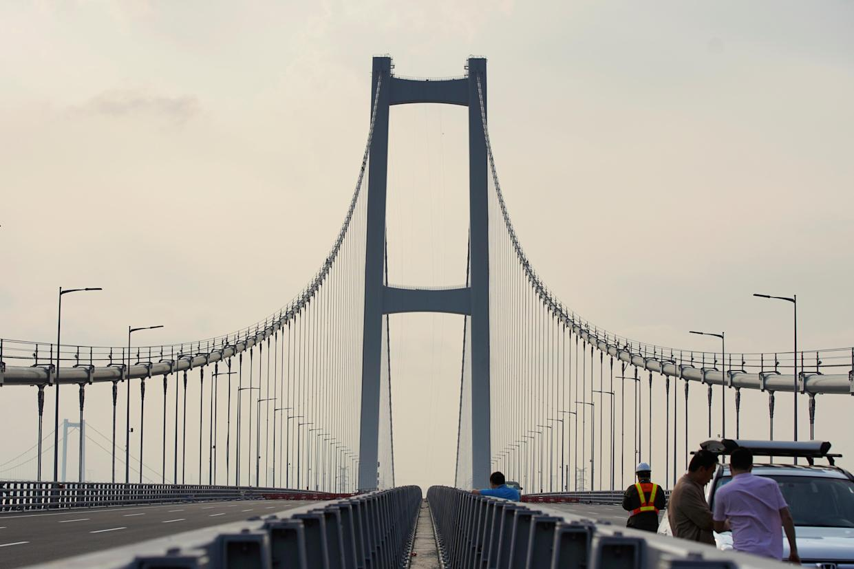 Second Humen Bridge, one of the key infrastructure in the Greater Bay Area project, is pictured before it opens to traffic, across the Pearl River in Guangzhou, Guangdong province, China March 21, 2019. Picture taken March 21, 2019. REUTERS/Stringer
