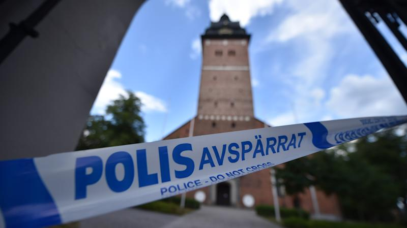 Swedish policecordoned offthe Strängnäs cathedral, west of Stockholm, after thieves stole crown jewels dating back to the 17th century. (PONTUS STENBERG via Getty Images)