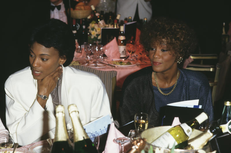 Robyn Crawford, left, and American singer Whitney Houston (1963 - 2012), circa 1988. (Photo by Dave Hogan/Getty Images)