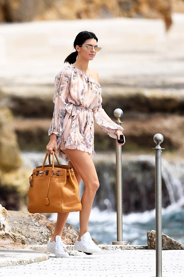 <h2>In Zimmermann Romper, Adidas By Raf Simons Sneakers And Le Specs x Adam Selman Sunglasses</h2>                                                                                                                                                                             <p><p>In Cannes, France, May 2017</p>                                                                                                                                                                               <h4>Splash News</h4>