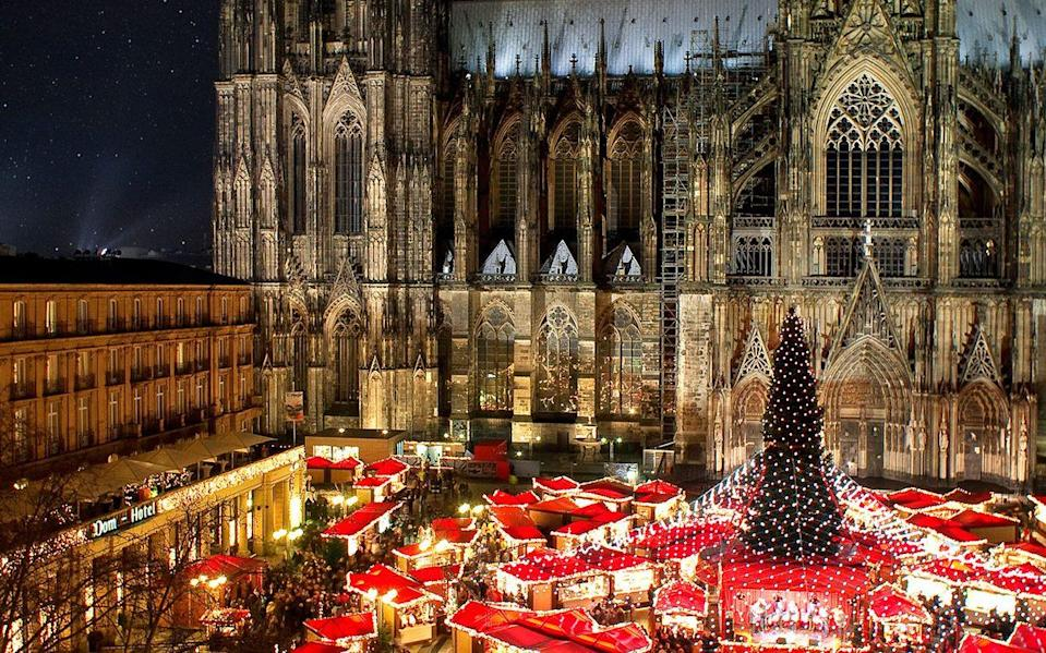 Festive feeling to the max in Cologne - THOMAS SCHMIDT