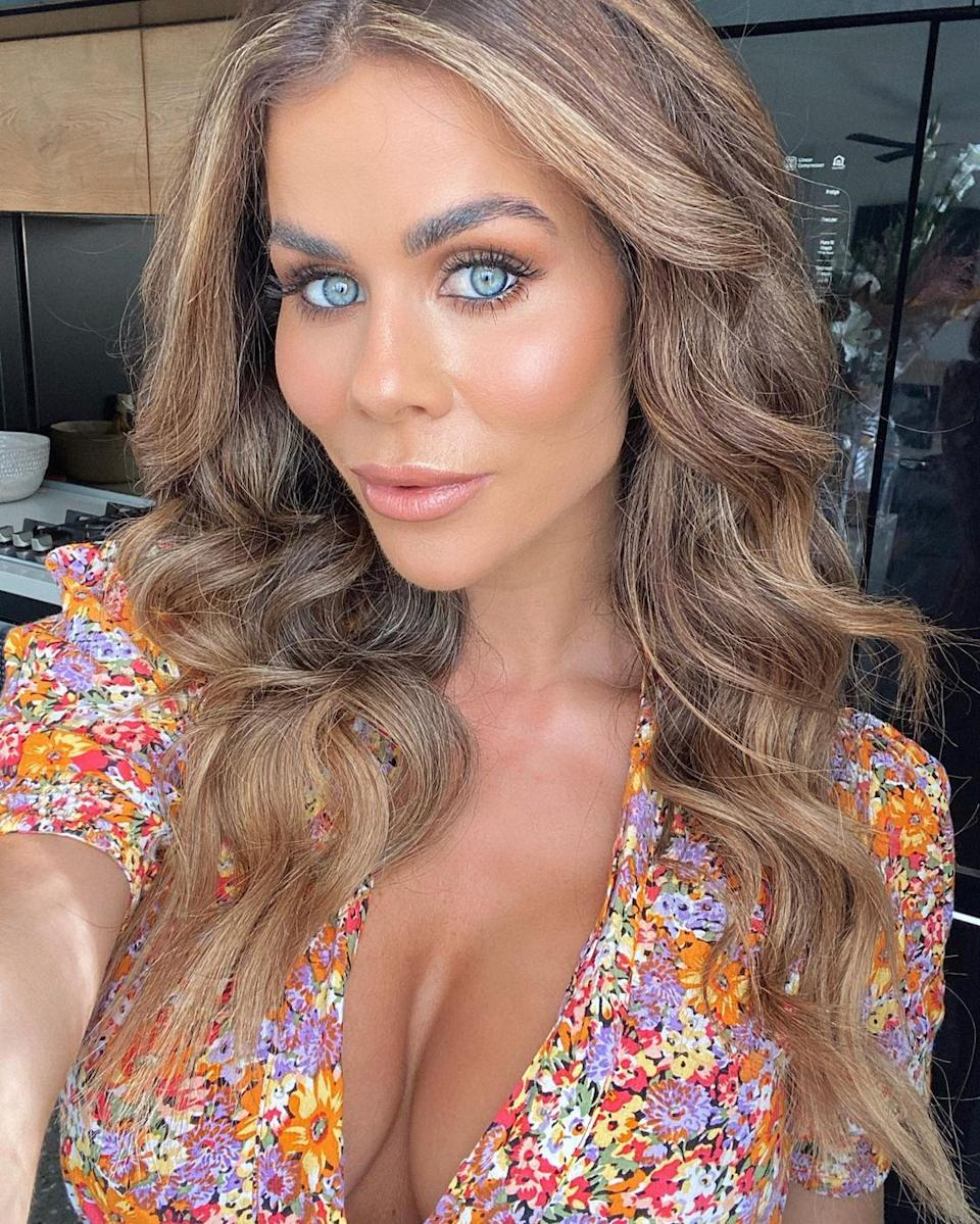 Sophie Guidolin poses for a selfie