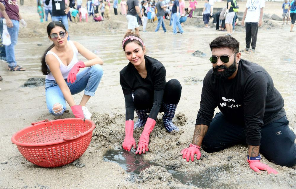 Celebs participate in cleanliness drive