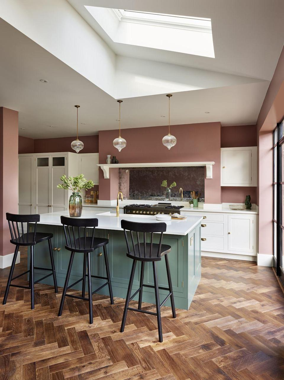 "<p>Two tone, contrasting finishes are becoming a desirable aesthetic in the kitchen. You could opt for contrasting wall and floor mounted cabinetry; deep, dark units contrasted with brighter shades elsewhere; an island in an eye-catching hue, or it could be as simple as teaming a darker shade of grey with a softer dove grey hue.</p><p>This design feature is also being utilised in parts of the kitchen that aren't as visible, such as drawer and cupboard interiors which now demand the same consideration as the exterior finishes.</p><p>'If done correctly, working with a contrasting scheme can allow you to break up colour and add a real touch of uniqueness to your kitchen design,' say the team at <a href=""https://www.benchmarxkitchens.co.uk/"" rel=""nofollow noopener"" target=""_blank"" data-ylk=""slk:Benchmarx Kitchens"" class=""link rapid-noclick-resp"">Benchmarx Kitchens</a>.</p><p>Pictured: Arbor kitchen design, <a href=""https://www.harveyjones.com/our-kitchens/arbor-kitchens"" rel=""nofollow noopener"" target=""_blank"" data-ylk=""slk:Harvey Jones"" class=""link rapid-noclick-resp"">Harvey Jones</a></p>"