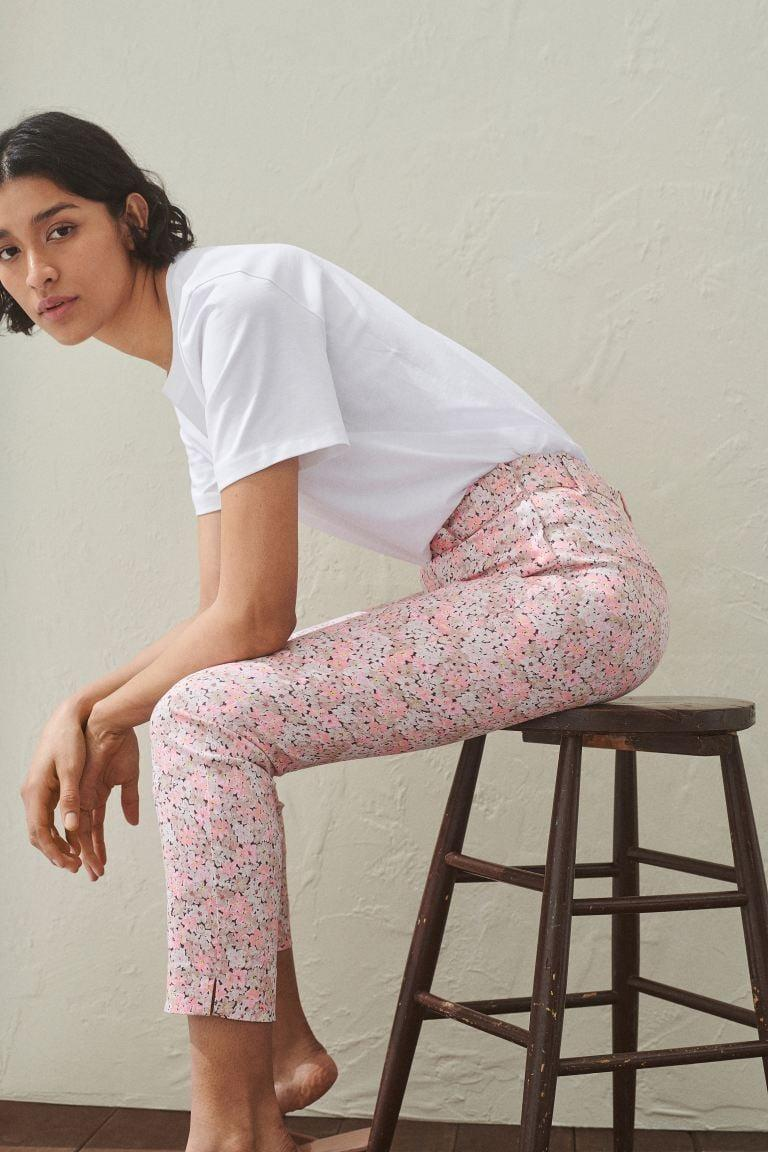 <p>The print on these <span>H&M Ankle-length Slacks</span> ($15) is so fun.</p>
