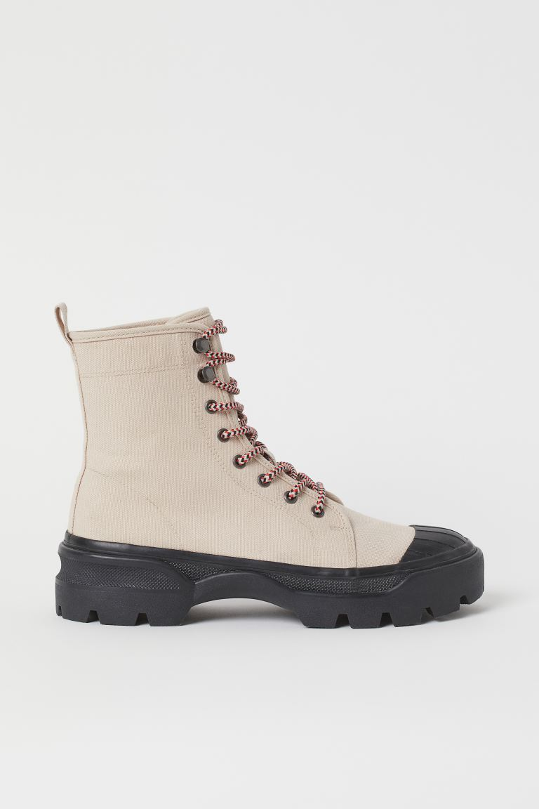 "<br><br><strong>H&M</strong> Canvas Sneaker-Style Boots, $, available at <a href=""https://go.skimresources.com/?id=30283X879131&url=https%3A%2F%2Fwww2.hm.com%2Fen_us%2Fproductpage.0913113002.html"" rel=""nofollow noopener"" target=""_blank"" data-ylk=""slk:H&M"" class=""link rapid-noclick-resp"">H&M</a><span class=""copyright"">Photo Courtesy of H&M. </span>"