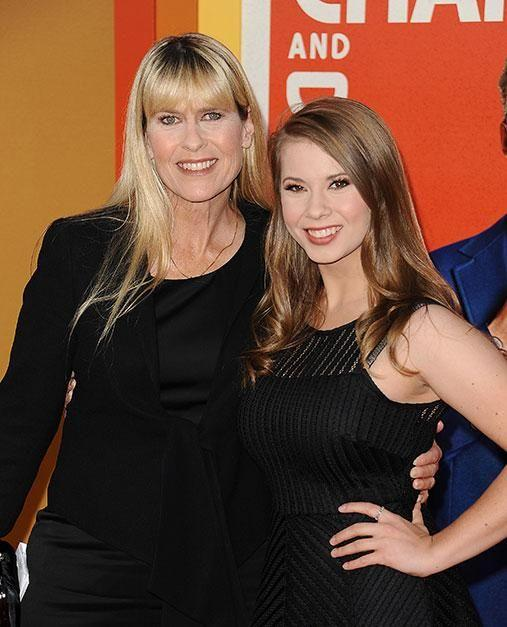 Terri and Bindi Irwin walked the red carpet at the premiere of Crowe's latest movie. Photo: Getty Images
