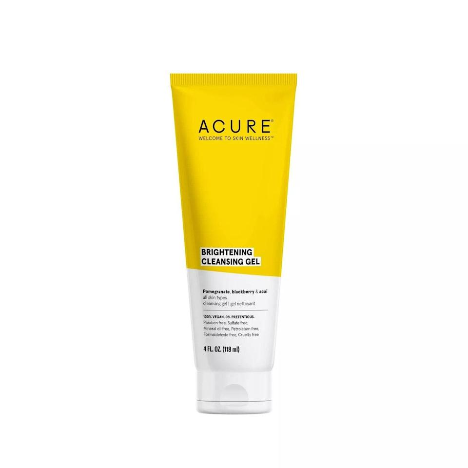 A blend of antioxidant-rich pomegranate, açai, and blackberry in the Acure Brightening Cleansing Gel defend skin against environmental stressors (i.e. pollution) as it washes away the day's dirt, oil, and makeup. Meanwhile, lemon peel oil diminishes dullness and balances oil production.