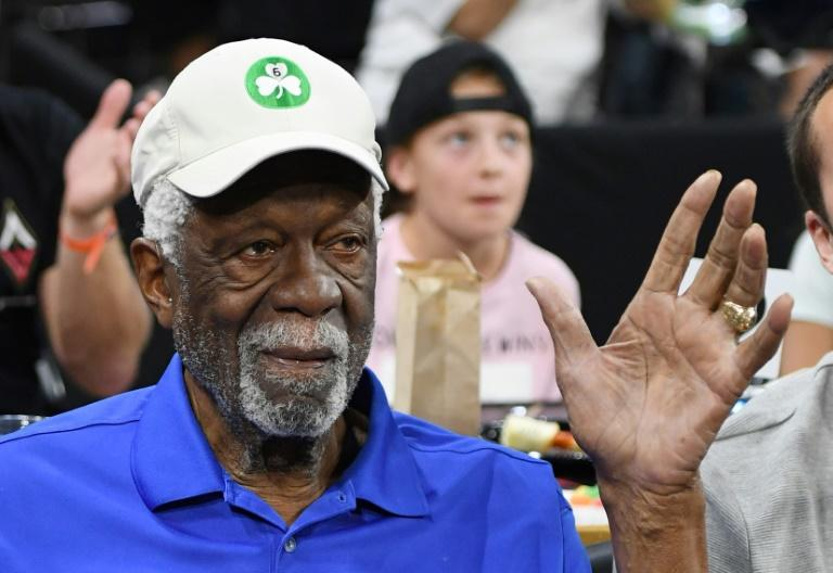Bill Russell accepts his Basketball Hall of Fame ring