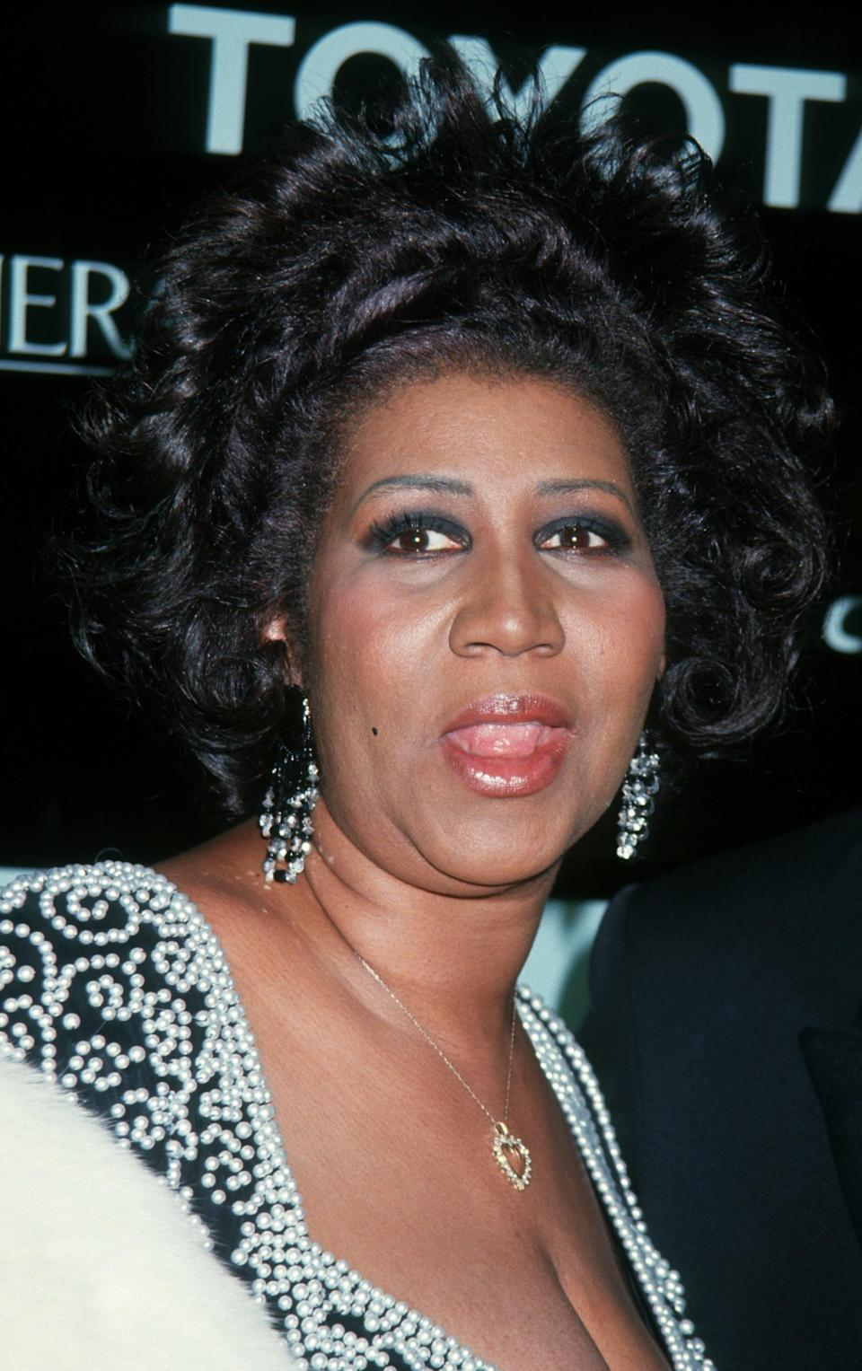 <p>It was all about the textured hair and heavily-lined eyes for Aretha Franklin at the Essence Awards. (Photo: Getty Images) </p>