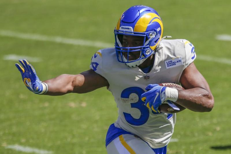 Los Angeles Rams running back Malcolm Brown (34) in action during an NFL football game against the Philadelphia Eagles, Sunday, Sept. 20, 2020, in Philadelphia. (AP Photo/Laurence Kesterson)