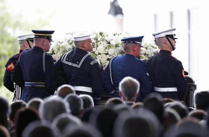 <p>A military honor guard arrives carrying the coffin during the funeral of Nancy Reagan at the Ronald Reagan Presidential Library. <i>(Photo: Lucy Nicholson/Reuters)</i></p>