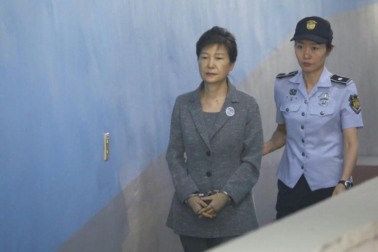 The Seoul Central District Court said it would allow South Korean ousted leader Park Geun-hye's sentencing trial, set for Friday afternoon, to be broadcast live on television due to high public interest, the Yonhap news agency reports