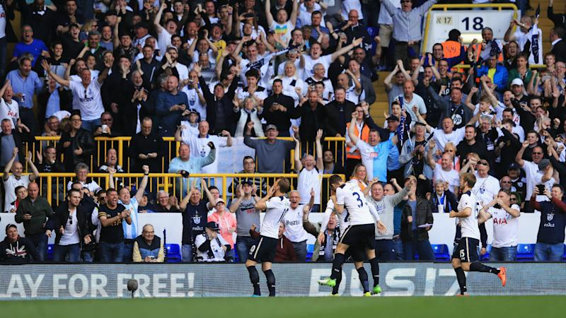 Man Utd fans react to Spurs defeat outside White Hart Lane