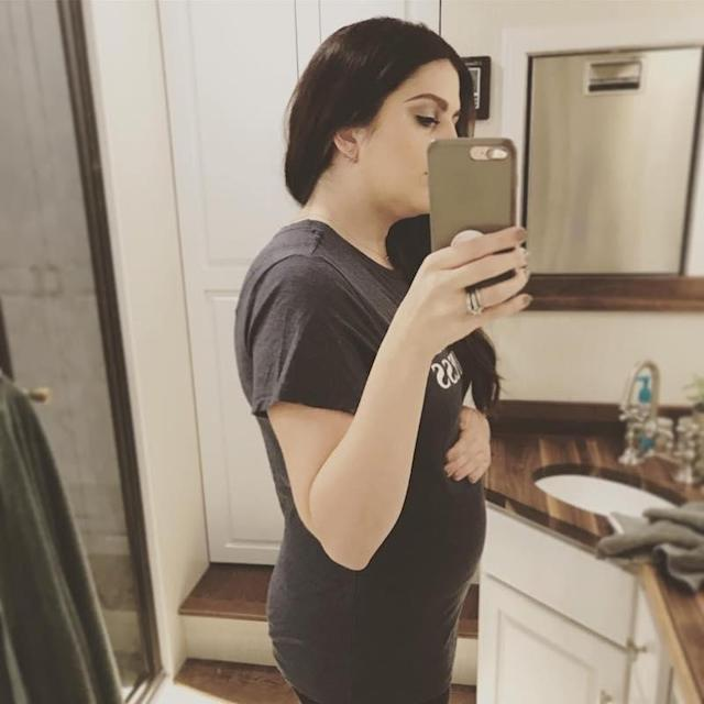 """<p>The Lady Antebellum songstress gave away the fact that she's expecting twins by using two baby emojis in her #bumpday post. She wrote, """"In honor of #bumpday, here's my bump. Encouraging all the expectant mamas out there to take care of you and your baby(ies)! #maternalhealth is SO important!"""" (Photo: <a href=""""https://www.instagram.com/p/BY_dZHmgoYJ/?hl=en&taken-by=hillaryscottla"""" rel=""""nofollow noopener"""" target=""""_blank"""" data-ylk=""""slk:Hillary Scott via Instagram"""" class=""""link rapid-noclick-resp"""">Hillary Scott via Instagram</a>) </p>"""
