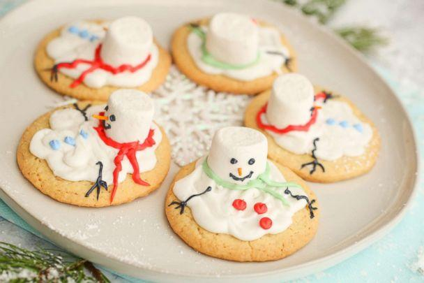 PHOTO: Sarah Michelle Gellar and Foodstirs' Organic Sweet Tooth Melted Snowmen Sugar Cookies. (ABC News)