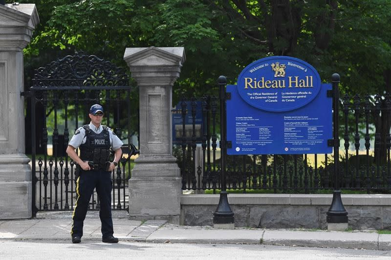Military member arrested after truck rammed gate near Trudeau residence: RCMP