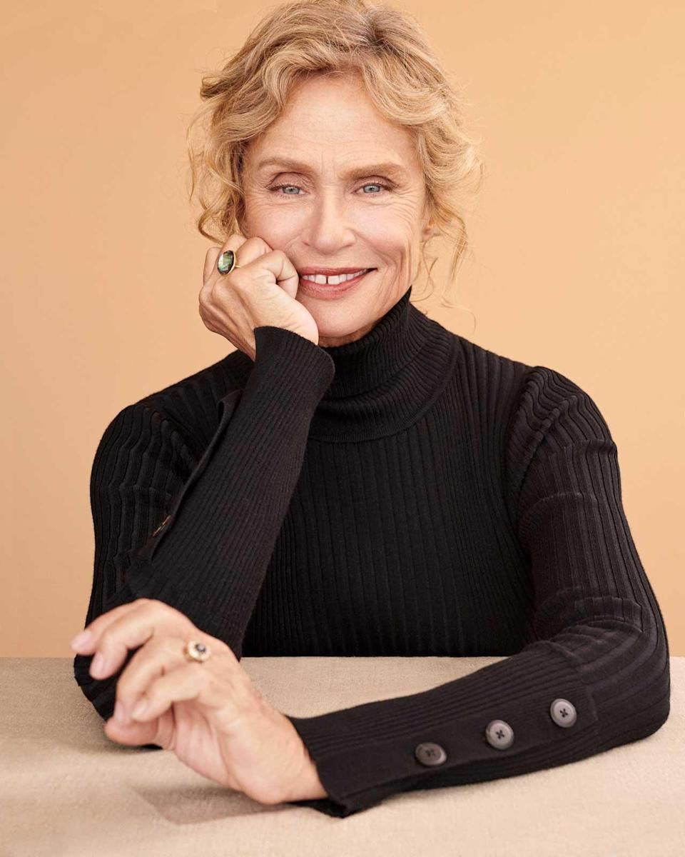 <p><strong>Model:</strong> Lauren Hutton <br><strong>Photographer:</strong> Alexandra Nataf<br>(Photo: Courtesy of Anthropologie) </p>