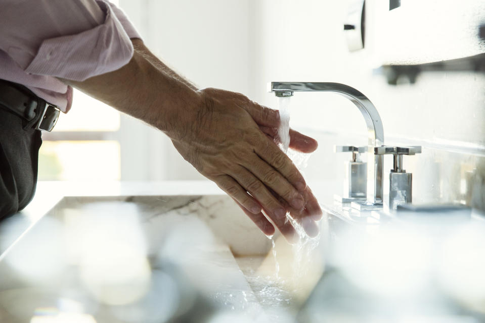 CDC's warnings for people to wash their hands has led to the realization that men haven't been doing that. (Photo: Getty Images)