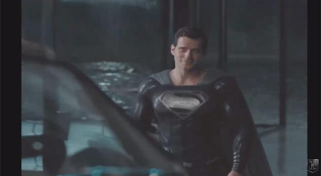 Superman`s black suit in Snyder cut clip from 'Justice League'