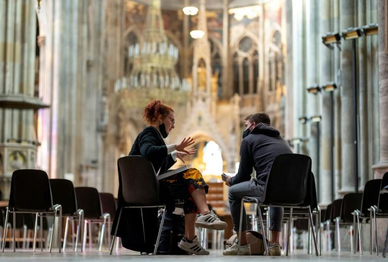 Vienna students swap lecture halls for pews