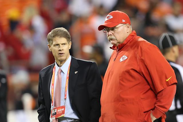 "When asked in August if the Chiefs anticipated a suspension for running back Kareem Hunt, team owner Clark Hunt (L) said: "" <span>I really don't. But we tend not to be privy to those decisions that are made by the NFL</span>."" (Getty Images)"