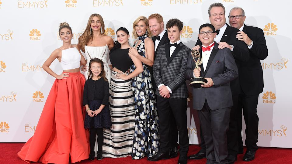 LOS ANGELES, CA - AUGUST 25:  Actresses Sarah Hyland, Sof?a Vergara, Aubrey Anderson-Emmons, Julie Bowen and Ariel Winter, Jesse Tyler Ferguson, Nolan Gould, Rico Rodriguez, Eric Stonestreet and Ed O'Neill, winners of the Outstanding Comedy Series Award for