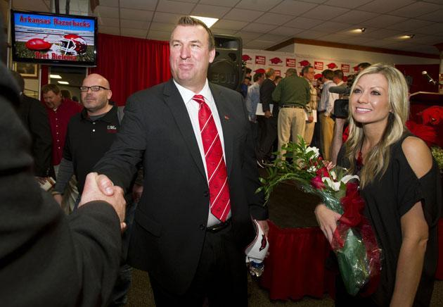 Bret Bielema is retweeting random Arkansas fans on Twitter and it's great