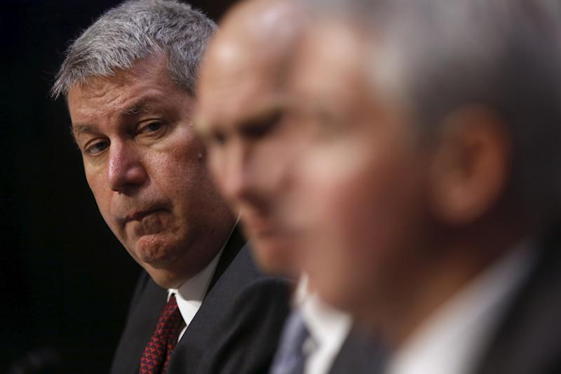 Former Valeant CEO Michael Pearson (L-R), former CFO Howard Schiller and Pershing Square Capital Management CEO Bill Ackman testify about price spikes in pharmaceuticals before the Senate on, U.S. April 27, 2016. REUTERS/Jonathan Ernst