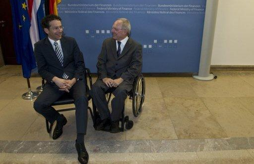 German Finance Minister Wolfgang Schaeuble (right) and  Dutch counterpart Jeroen Dijsselbloem, Berlin, December 17, 2012