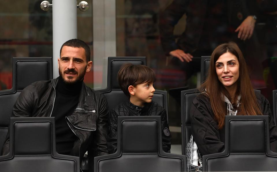 MILAN, ITALY - APRIL 15:  Leonardo Bonucci of AC Milan with his son Lorenzo Bonucci and wife Martina Maccari before the serie A match between AC Milan and SSC Napoli at Stadio Giuseppe Meazza on April 15, 2018 in Milan, Italy.  (Photo by Marco Luzzani/Getty Images)