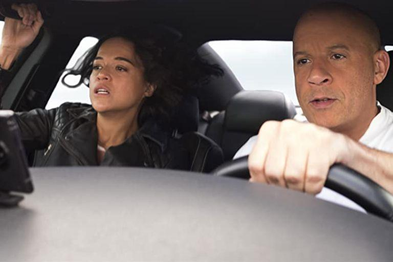 Michelle Rodr & # xed; guez and Vin Diesel, in a scene from the new installment of R & # xe1; pidos y furioso