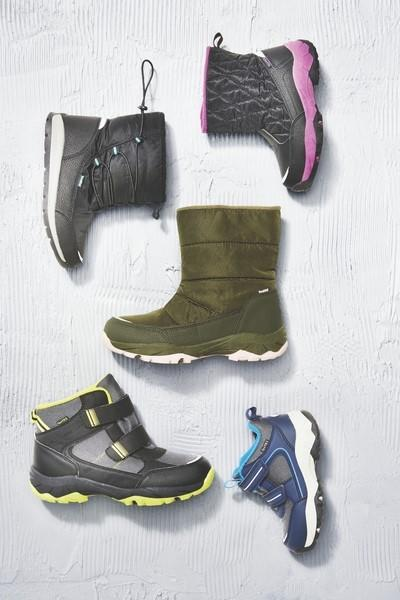 Children's thermoboots with polar fleece lining, $19.99. Photo: Aldi (supplied).