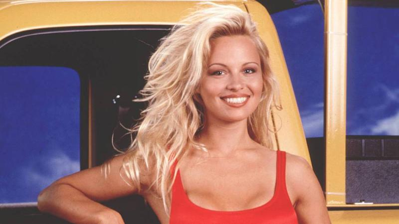 "Pamela Anderson 1993 in ""Baywatch"" (Bild: imago/Cinema Publishers Collection)"