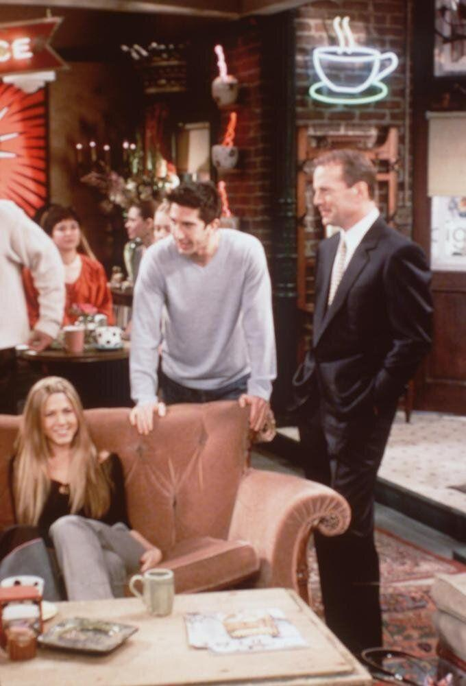 David Schwimmer,Jennifer Aniston, Bruce Willis (who plays Paul) guest starring on 'Friends' (the one where Ross meets Elizabeth''s dad). Photo Credit: Paul Drinkwater NBC