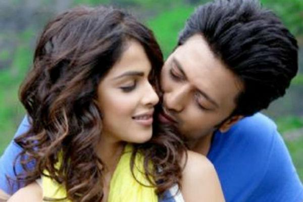"8. Ritesh Deshmukh & Genelia D'Souza<br><br>This is the newest couple on this list. Although they had been seeing each other for over 10 years, they got <a href=""https://ec.yimg.com/ec?url=http%3a%2f%2fwww.mensxp.com%2fentertainment%2fbollywood%2f6227-deshmukh-a-dsouza-sangeet-celebrations.html%26quot%3b%26gt%3bmarried&t=1490590965&sig=aIZHYfjyFNyYirn2hD_BTg--~C only in 2012</a>.  They starred together in their debut movie 'Tujhe Meri Kasam', which  although didn't do all that well but was enough to ignite the romance  between the lead pair. Their last movie together was 'Tere Naal Love Ho  Gaya' which was an average hit.<br>"