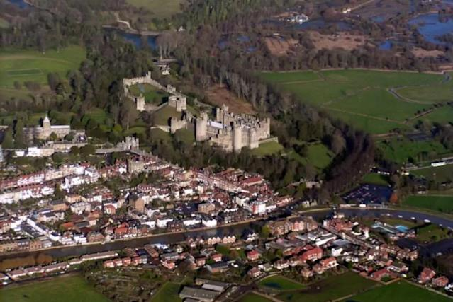 <p>Here's an aerial view of the town.<br>(Airbnb) </p>