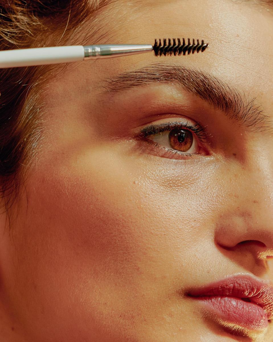 """<h1 class=""""title"""">Portrait of Young Confident Woman Brushing Her Eyebrows</h1> <cite class=""""credit"""">Getty Images</cite>"""