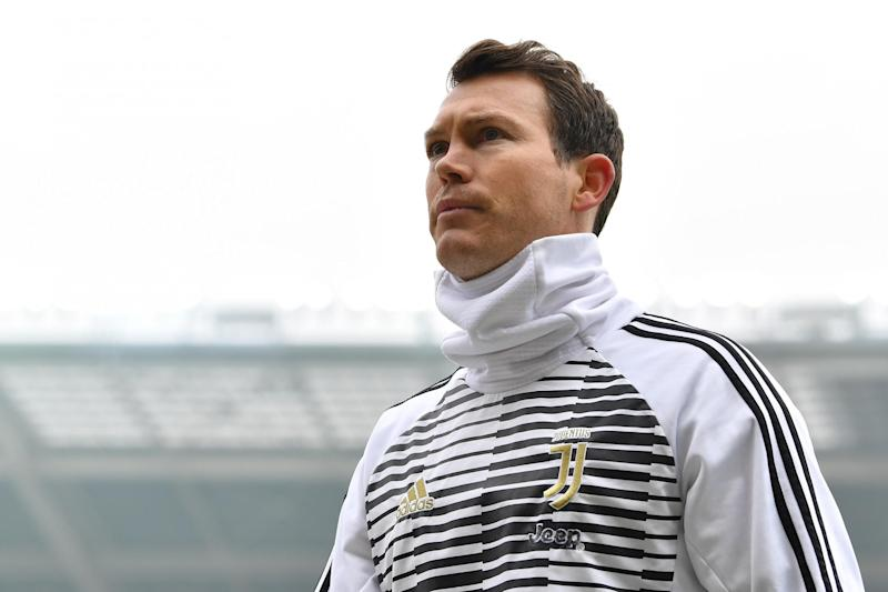 Set to sign | Lichtsteiner: Getty Images