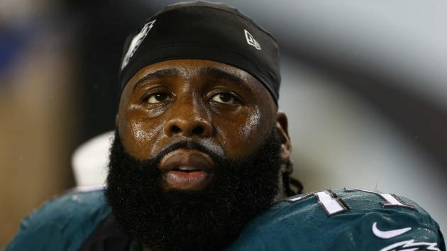 Eagles Pro Bowler Peters carted off field with leg injury