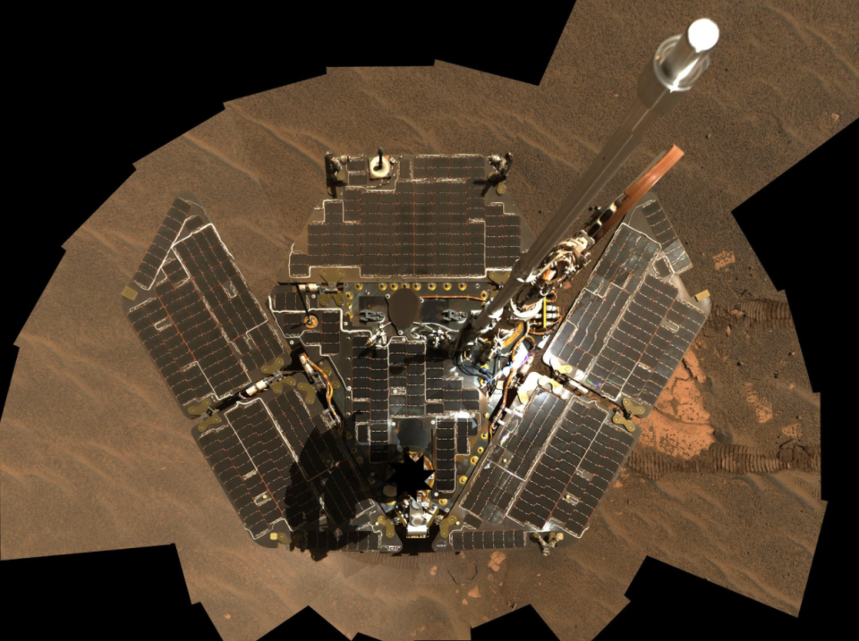 Opportunity Self-Portrait: Opportunity used its panoramic camera to take the images combined into this mosaic view of the rover.  Image Credit: NASA/JPL-Caltech/Cornell