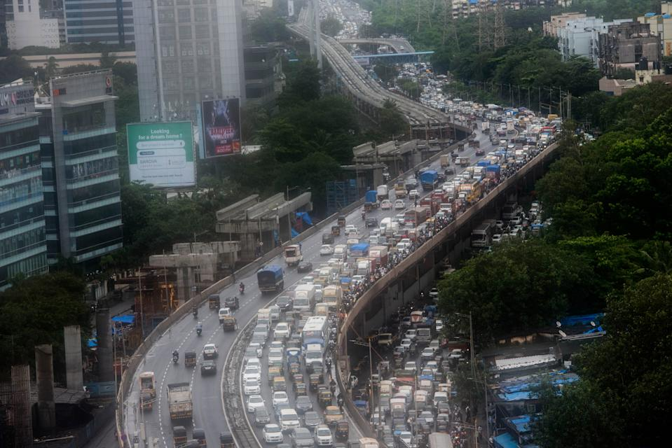Commuters in Mumbai spend <strong>65% extra travel time</strong> stuck in traffic.