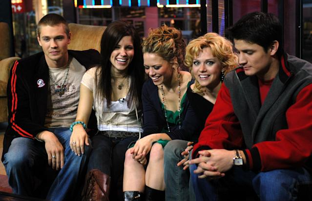 """The cast of """"One Tree Hill."""" (Carley Margolis via Getty Images)"""