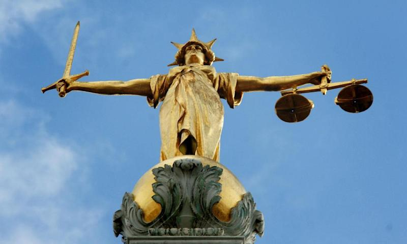 Lady Justice holding scales at the Old Bailey
