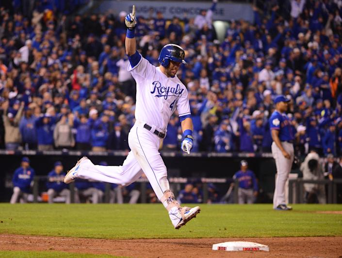 Alex Gordon (4) celebrates after hitting a ninth-inning home run for the Royals against the Mets during Game 1 of the 2015 World Series. (USA Today)