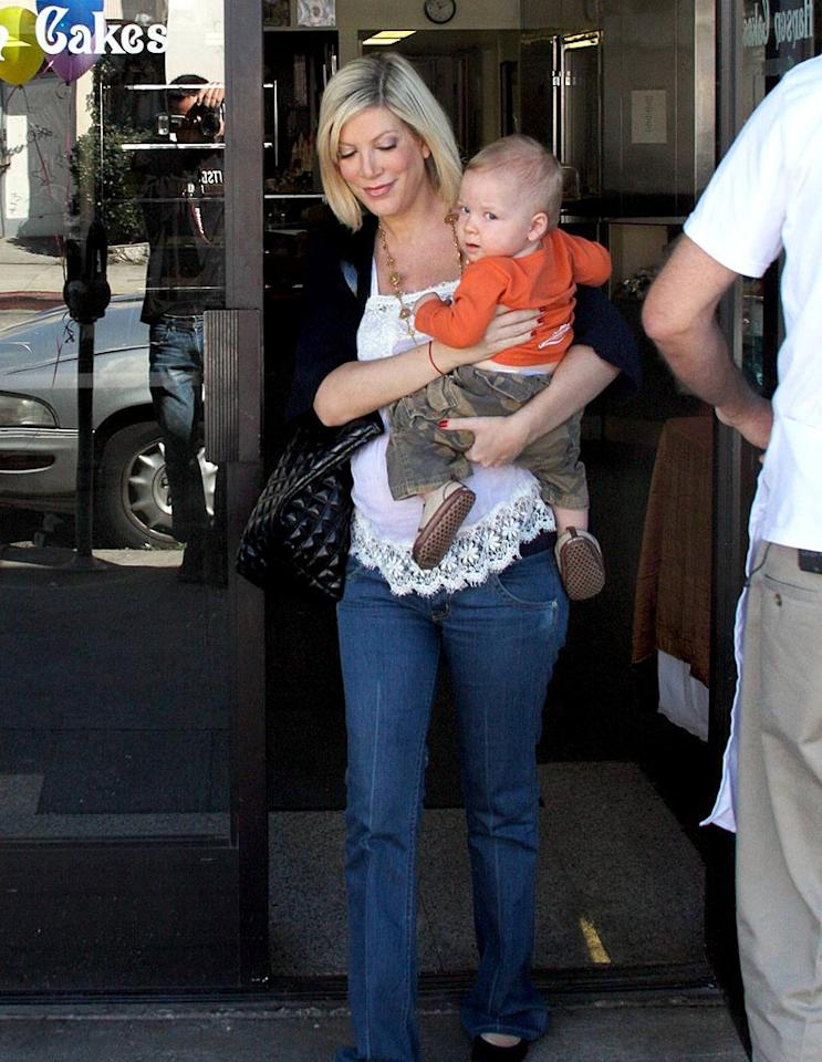 "Tori Spelling picks out a fancy cake for her son Liam's first birthday. The actress' next baby is due to arrive in June. IM/<a href=""http://www.x17online.com"" target=""new"">X17 Online</a> - February 27, 2008"