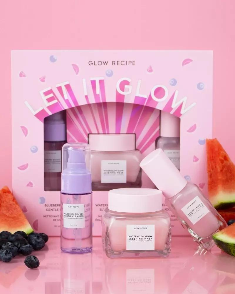 """<p>This sign is always busy trying to save the world. Help them out by taking care of their skin. This beautiful box set contains a watermelon sleeping mask, blueberry cleanser, and watermelon moisturizer. </p> <p><strong>$39</strong> (<a href=""""https://www.sephora.com/product/let-it-glow-P449885?icid2=bestsellers:p449885:product"""" rel=""""nofollow noopener"""" target=""""_blank"""" data-ylk=""""slk:Shop Now"""" class=""""link rapid-noclick-resp"""">Shop Now</a>)</p>"""