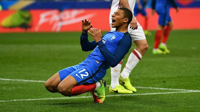 A host of Real Madrid luminaries have praised Kylian Mbappe, but the teenage forward has hinted he may choose to remain at Monaco, for now.
